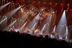 MONGOL800と東京スカパラダイスオーケストラによる共演の様子。 (photo by Rickey Wang)