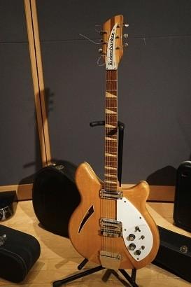 大瀧詠一が使用したギター。