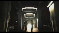 乃木坂46「孤独兄弟」PVのワンシーン。