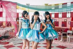 ミルクプラネット。左から岩田華怜、渡辺麻友、横山由依。(c)「セーラーゾンビ」製作委員会