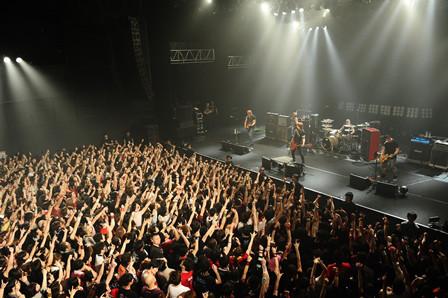 J「J 2014 Special Live -Thank You AX!! Good Bye AX!!-」の模様。