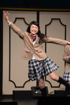 バレエのターンをしながら徳川幕府の15代将軍を言う岡田愛。