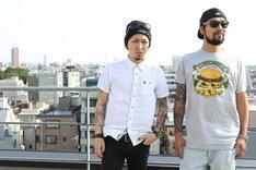 左からMAH(SiM)、Kazuki(FACT)。