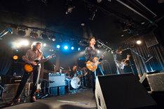 "DUDE TONE「DUDE TONE LIVE 2014 ""十字路のGuitar""」東京・下北沢GARDENの様子。"