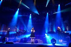 """Kalafina「Kalafina""""君の銀の庭""""Special LIVE 2014」の様子。"""