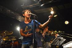 「柴山一幸 4thアルバム『君とオンガク』発売記念ライブ」の様子。
