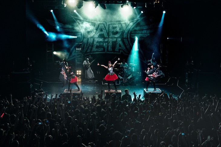 「BABYMETAL WORLD TOUR 2014」イギリス・The Forum公演の様子。(Photo by Dana (Distortion) Yavin)