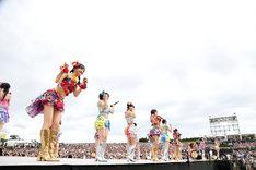 HKT48アリーナツアー「可愛い子にはもっと旅をさせよ」福岡公演の様子。(c)AKS