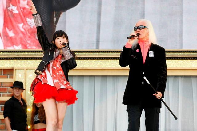 HKT48アリーナツアー「可愛い子にはもっと旅をさせよ」福岡公演の様子。