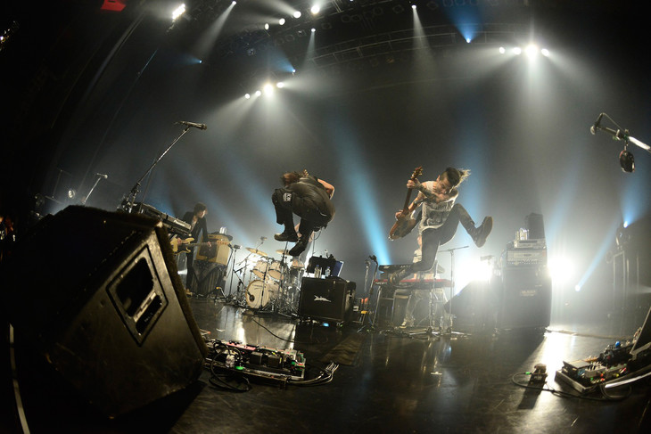 the HIATUS「Keeper Of The Flame Tour 2014」新木場STUDIO COAST公演の様子。(撮影:橋本塁 [SOUND SHOOTER])