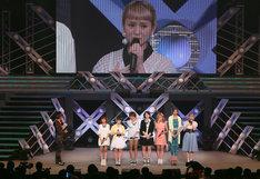 「Hello! Project 2014 SUMMER ~KOREZO!~」昼公演にて、無期限活動停止について発表する様子。