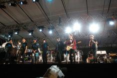 高橋幸宏 & METAFIVEとスペシャルゲストの細野晴臣、土屋昌巳。(Photo by Taem LIGHTSOME 三浦憲治)