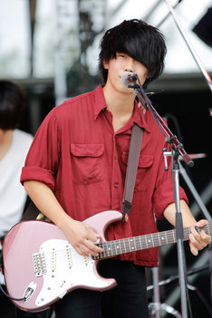 佐藤リョウスケ(Vo, G)