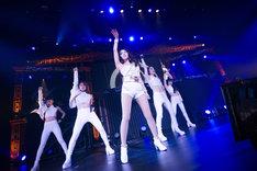 BoA「BoA LIVE TOUR 2014 ~WHO'S BACK ?~」東京公演の様子。