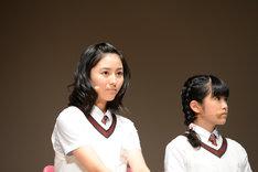 左から白井沙樹、大賀咲希。