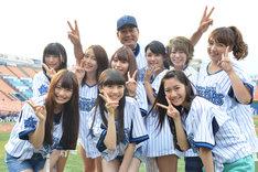 SHOWROOMドリームチームと横浜DeNAベイスターズ・中畑清監督。