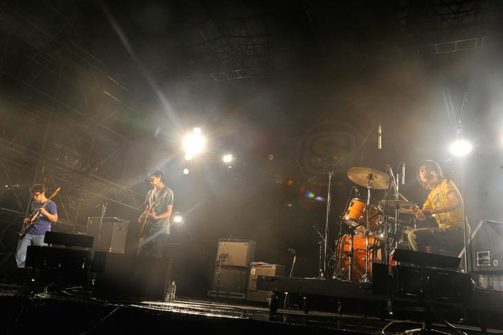 andymori。写真は「SPACE SHOWER SWEET LOVE SHOWER 2014」でのライブの様子。