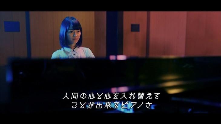乃木坂46「転がった鐘を鳴らせ!」PVのワンシーン。