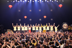 「N'夙川BOYS presents ロックンロール三国志?っと! II ~黄巾ゾックゾクの乱~」の様子。(撮影:後藤壮太郎)