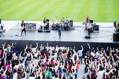 9月21日に宮城・ひとめぼれスタジアム宮城で行われた「TAKURO MOBILE MEETING」公開収録の様子。