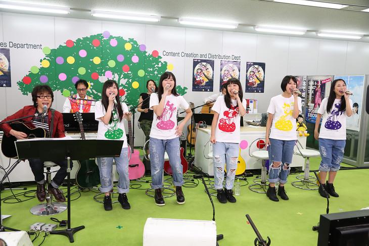 9月18日(木)に生放送された「坂崎幸之助のももいろフォーク村NEXT」初回の様子。