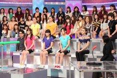 「関ジャニの仕分け∞ 2時間スペシャル」より「柔軟女王世界一決定戦」挑戦者たち。 (c)テレビ朝日