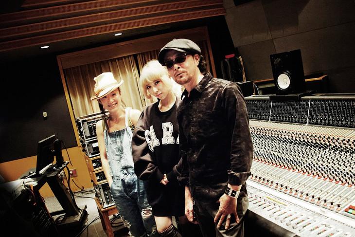 左からSUGAR SOUL、加藤ミリヤ、DJ KRUSH。