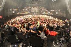 Czecho No Republic「MANTLE TOUR ~2014年宇宙の旅~」東京・赤坂BLITZ公演終演後の記念写真。