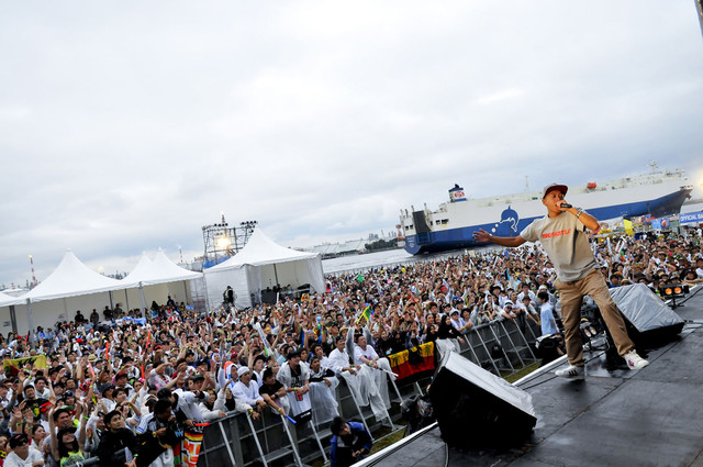 「MIGHTY CROWN ENTERTAINMENT Presents 横浜レゲエ祭2014 -One Link-」の様子。