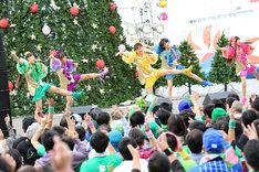 11月2日に大阪・大阪南港ATCで行われたたこやきレインボーのライブの様子。