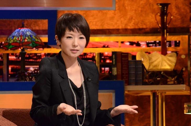 トークコーナーでの椎名林檎。(c)日本テレビ