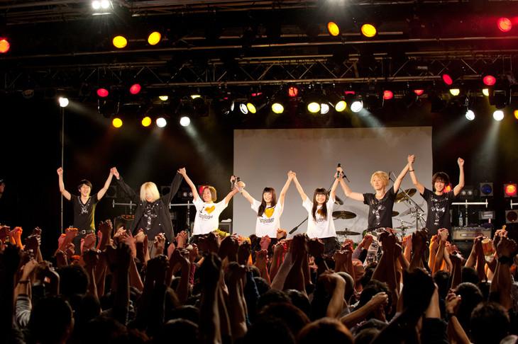 「Party Rockets ワンマンライブ~FULL THROTTLE~」の様子。