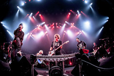 「J 2014 SPECIAL LIVE Akasaka BLITZ 5DAYS -LIKE A FIRE WHIRL-」2日目公演の様子。