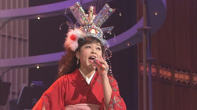 オーロラ輝子(河合美智子)(写真提供:NHK)