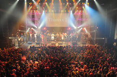 「hide Birthday Party 2014 - 50th Anniversary -」の出演者挨拶の様子。(Photo by saori tsuji)