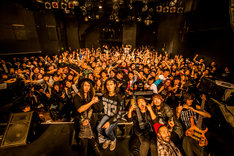 "Crystal Lake「CUBES TOUR 2014 -FINAL-」の様子。(Photo by Takashi ""TAKA"" Konuma)"