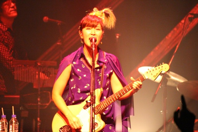 "「BONNIE PINK TOUR 2014 FINAL ""Still 19""」の様子。"