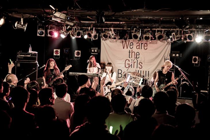 「たんこぶちん presents『We are the Girls Band !!!!!』~年末Specialライブ」東京・TSUTAYA O-Crest公演の様子。