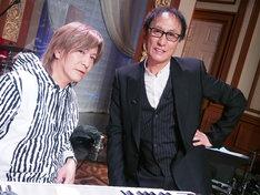 「あたしの音楽」収録時の小室哲哉(左)と武部聡志音楽監督。