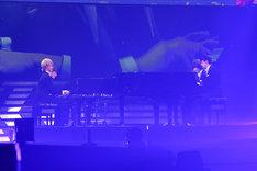 ピアノの連弾に挑戦するDISH//。