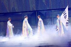 DISH//「DISH// 日本武道館単独公演 '15 元日 ~尖った夢の先へ~」の様子。