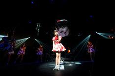 """「PASSPO☆ 結成5周年 カウントUPツアーファイナル""""PASSPO☆ 新年だよ!5周年とすこし便~全曲忘れず踊れるかな~""""」フライトの様子。"""