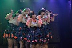 東京・LIVE GATE TOKYOで開催されたお披露目記者発表会の様子。