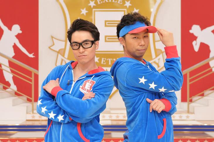 「Eダンスアカデミー」で講師を務める2人。左からEXILE TETSUYA、EXILE USA。(写真提供:NHK)