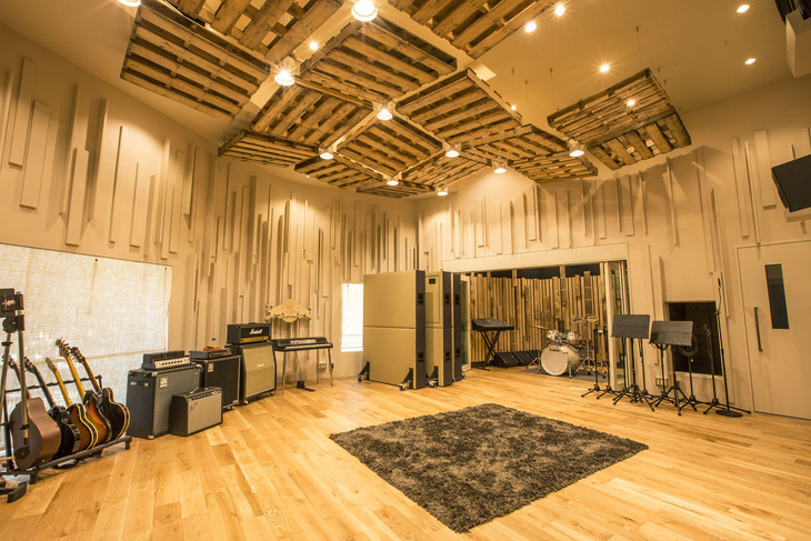 Red Bull Studios Tokyoのライブルーム。