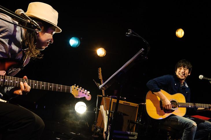 「JAM ADDICT ~SINGING MONKEYS~」の様子。左から森広隆、大橋卓弥。(撮影:タカハシアキラ[CRYSTAL-STYLE])