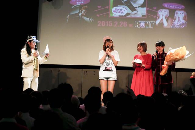 篠崎愛生誕祭イベント「平成二・二六事件」の様子。(Photo by Hajime Kamiiisaka)