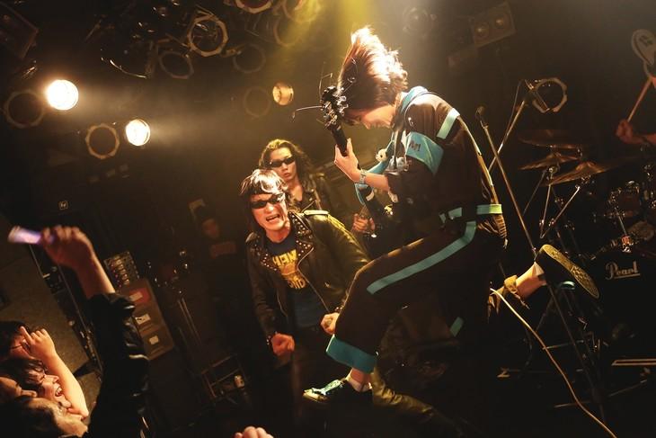 あのが参加したギターウルフのライブ。(撮影:ハヤシサトル)