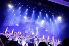「The Road to Graduation 2014 Final ~さくら学院 2014年度 卒業~」の様子。