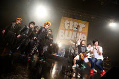 「TOWER RECORDS presents FIST BUMP vol.1 氣志團 × キュウソネコカミ ~校舎のウラで一触即発!?~」の様子。(Photo by Viola Kam [V'z Twinkle Photography])